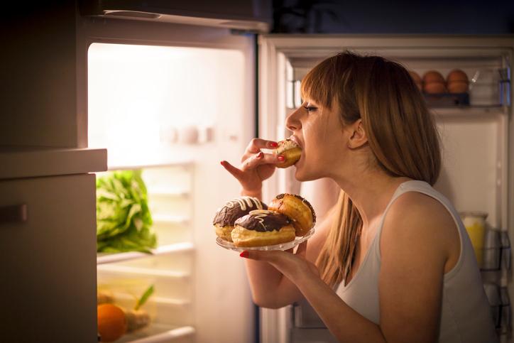 Compulsão alimentar: saiba se você está comendo demais