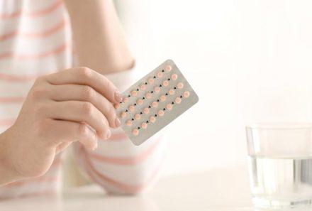Saiba como o anticoncepcional influencia no desejo feminino